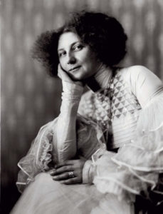 Emilie Louise Floge (1874-1952)
