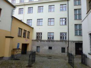 Casa Josefine Poisl (calle Hluboka n. ° 8/101, Nonnengaschen n. ° 50)