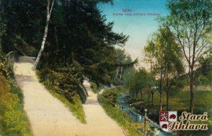 Heulos park (Vychodne od mesta, Ostlich der Stadt)