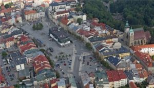 Masarykovo namesti (Masarykovo square, Hauptplatz)