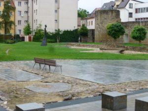 Gustav Mahler park (Benesova street, Obere Sacher Gasse)