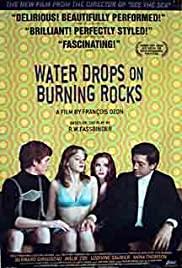 Wassertropfen auf brennenden Felsen